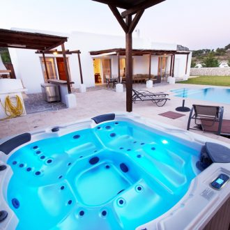 Luxury pool & outdoor Jacuzzi pool,Ladiko -Aglaia